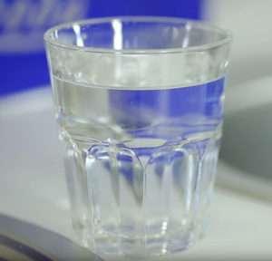 чистая вода из под фильтра