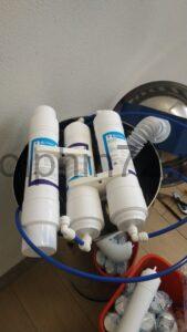 Процесс монтажа системы водоочистки Аквафор в Тюмени