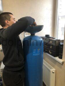 Замена фильтрующей загрузки в системе водоочистки в частном доме Тюмени