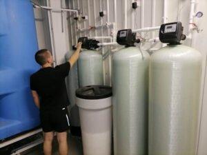 монтаж системы водоочистки в Тюмени